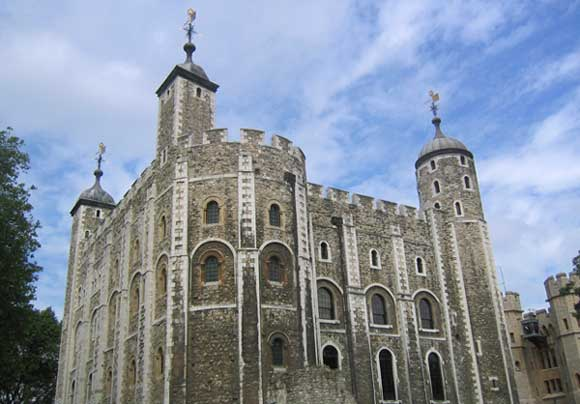 http://www.offtolondon.com/images/toweroflondon-blue.jpg